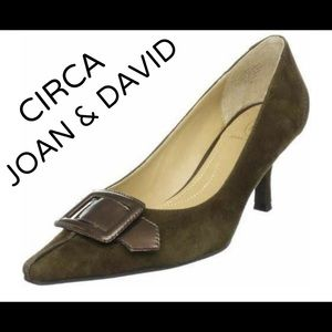 Circa Joan & David Dotty classic pumps suede  8